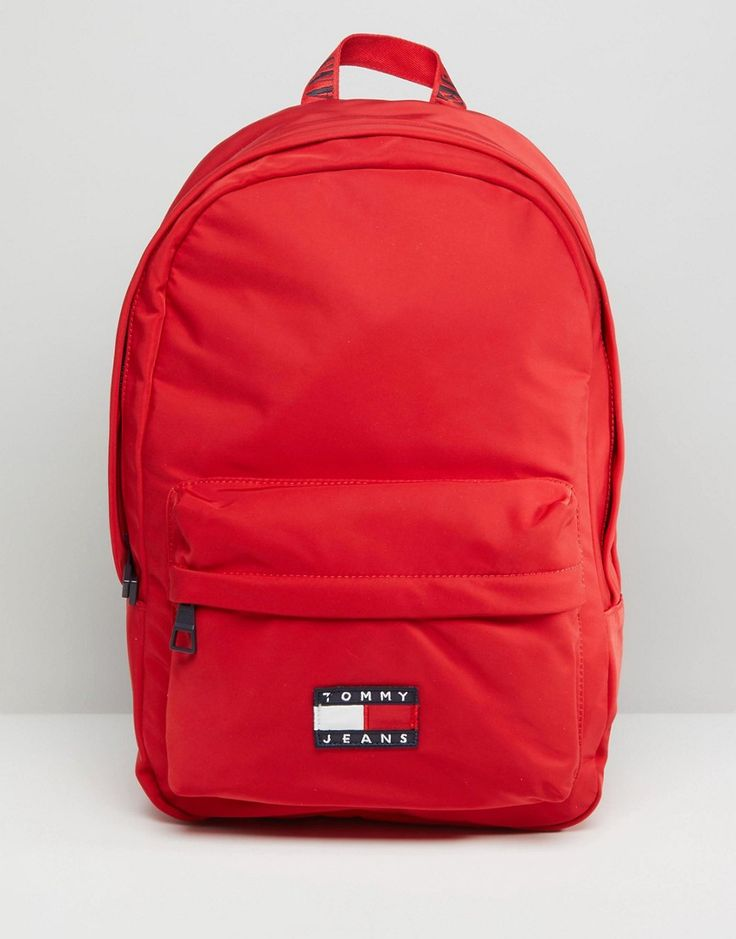 Get this Tommy Jeans Capsule's backpack now! Click for more details. Worldwide shipping. Tommy Jean 90s Capsule Backpack - Red: Backpack by Tommy Jeans Capsule, Part of the Tommy Jeans 90s capsule collection, Iconic 90s styles revived into modern classics, Smooth fabric outer, Adjustable padded straps, Zip closure, External zip pocket, Interior slip pocket. With a youthful vibe and 90s spirit, Tommy Jeans Capsule teams denim essentials with innovative washes and unexpected details. Complete…