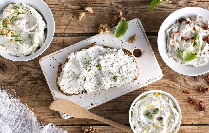 Visste du at du kan lage ost av kefir hjemme? Ferskost som er supergodt i salat, på brødskiva eller til tapas