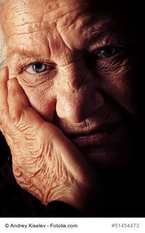 250 verschiedenes komplett ausgearbeitetes Material zur Aktivierung und Beschäftigung für Senioren (auch mit einer vaskulären Demenz, Alzheimer Demenz oder einer anderen selteneren Demenzform / Demenzerkrankung) können Sie für nur 1 bis 2 Euro als PDF zum Sofort-Download oder für 4 bis 6 Euro als professioneller Farblaserdruck auf extra-dickem, hochwertigem Papier bei http://www.aktivierungen.de bestellen!