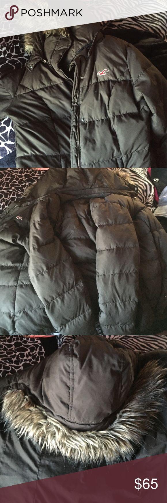 Hollister coat Brown Hollister coat Hollister Jackets & Coats Puffers