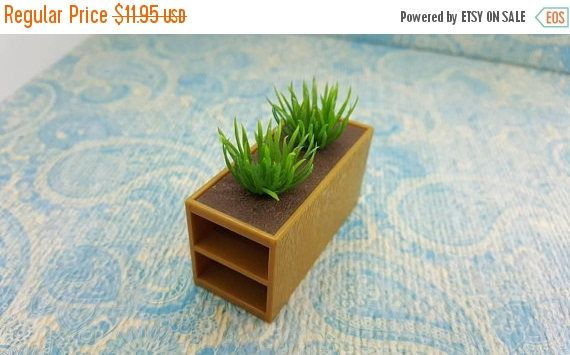 Century sale 30% Tomy Smaller House Bathroom Planter with plants but no towels Fits 3/4 to 1 inch scale hard Plastic
