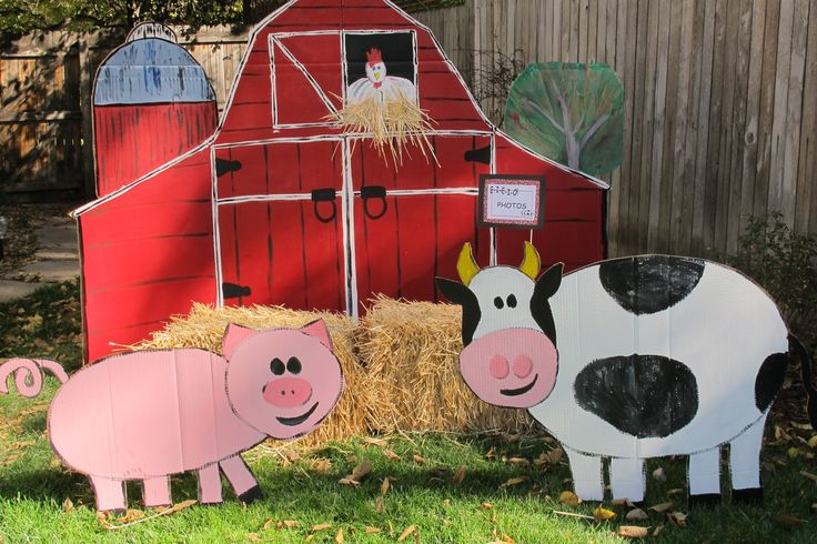 farm party - the barnyard photo booth