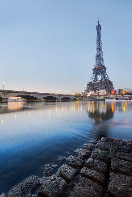 Quai Rosto Tour Eiffel por Julien Fromentin