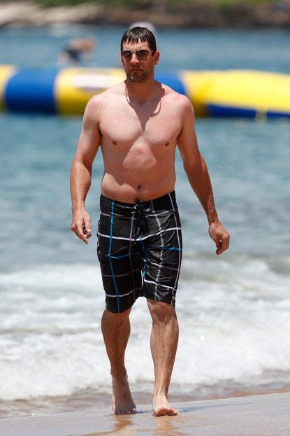 Aaron Rodgers 2015: dating, smoking, origin, tattoos & body - Taddlr