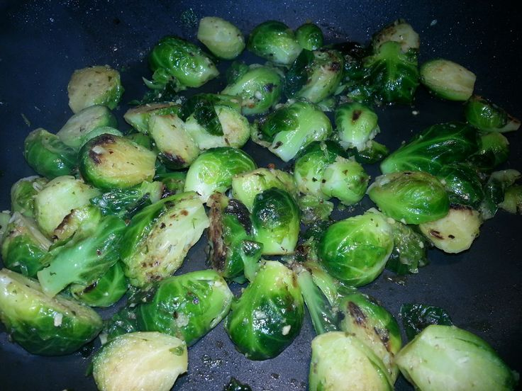 Recipe: Pan Roasted Garlic Brussels Sprouts (21 Day Fix Friendly)