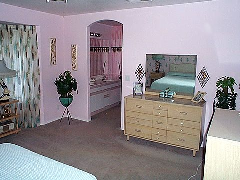 Master Bedroom Dresser Part Of A 5 Piece Blonde Bedroom Set Several Universal Statuary Wall