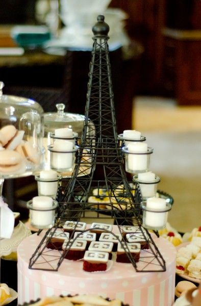 i love the eiffel tower incorporated into the food display: Food Display, Parisian Baby Showers, Baby Paris, Parisians Baby, Baby Calzadilla, Alyssa Ava Baby, Paris Baby, Ideas Flowing, Paris Inspiration Baby