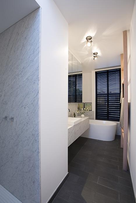 Narrow bathroom (via 10 Fetherston Street, ARMADALE)