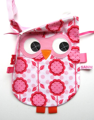 Owl taggie! So cute and easy to make. No instructions though, but won't be hard to scrap together