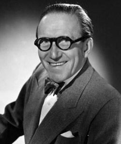 Arthur Askey Arthur Askey (1900-1982) b. Liverpool, England. Arthur Askey The diminutive British comedian with a treasure-chest full of catch-phrases started his working life as a clerk with the Liverpool education Committee, and never quite lost the regional accent that penetrated his light speaking voice. His facility for making people laugh soon led him to the world of concert parties and piers and he had become a top seaside entertainer by 1926. He also enjoyed playing pantomime dames…