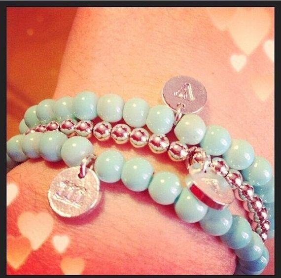 Bracciale con perline Tiffany e ciondolo con iniziale incisa argentato on Etsy, $12.00
