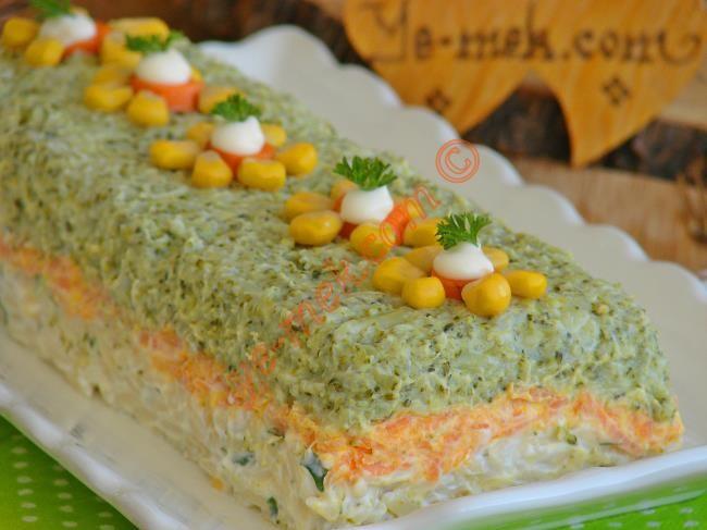 Üç Renkli Brokoli Salatası Resmi