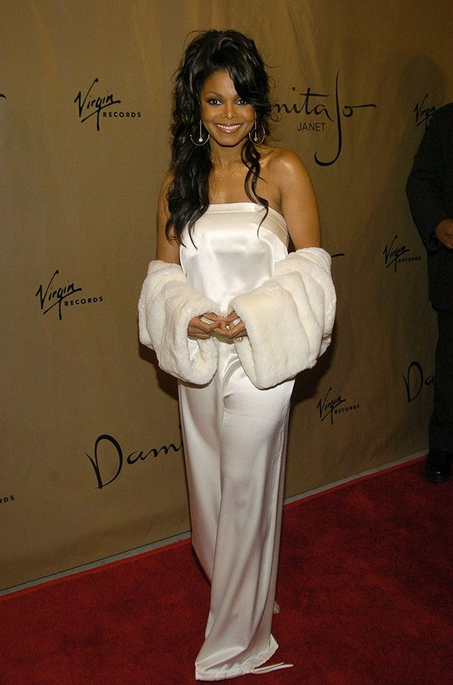 Comfortable in silk, Janet attended a celebration of her new album 'Damita Jo.' via @AOL_Lifestyle Read more: https://www.aol.com/article/entertainment/2017/06/16/janet-jackson-50-pound-weight-loss/22365217/?a_dgi=aolshare_pinterest#fullscreen