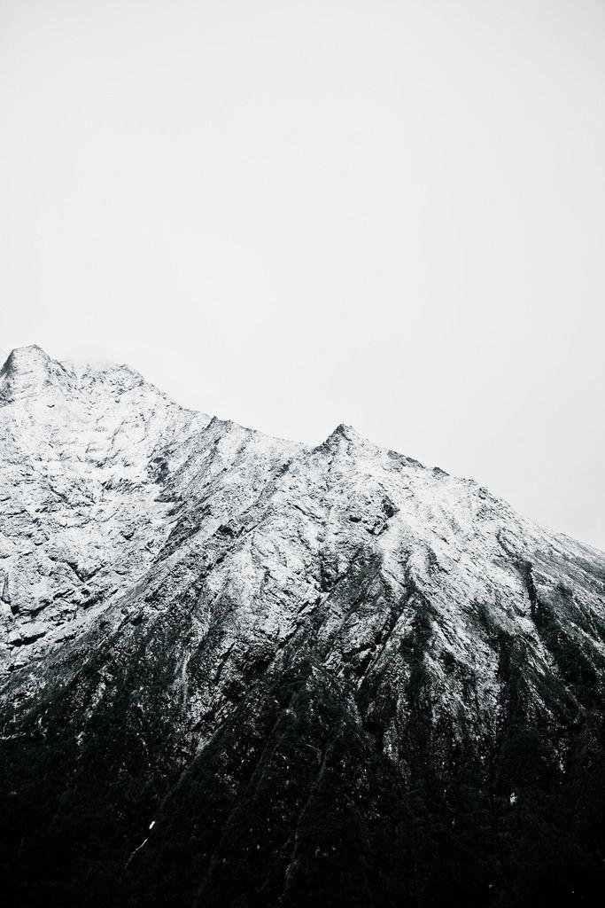 - Himalayát  félig megmászni  Bolyongtam egy téli havas reggelen, Kértem a hópelyhet - játszék velem Ő játszott s egy vízcsepp maradt helyén - Gazember!- kiáltott utánam a tél William Blake:Hópehely