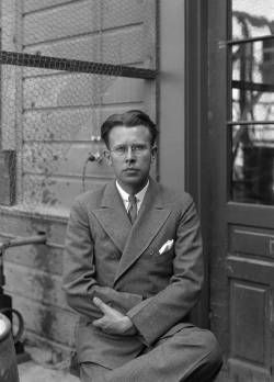 Ernest Lawrence was a pioneering American nuclear scientist and winner of the Nobel Prize in Physics in 1939 for his invention of the cyclotron. He is known for his work on uranium-isotope separation for the Manhattan Project