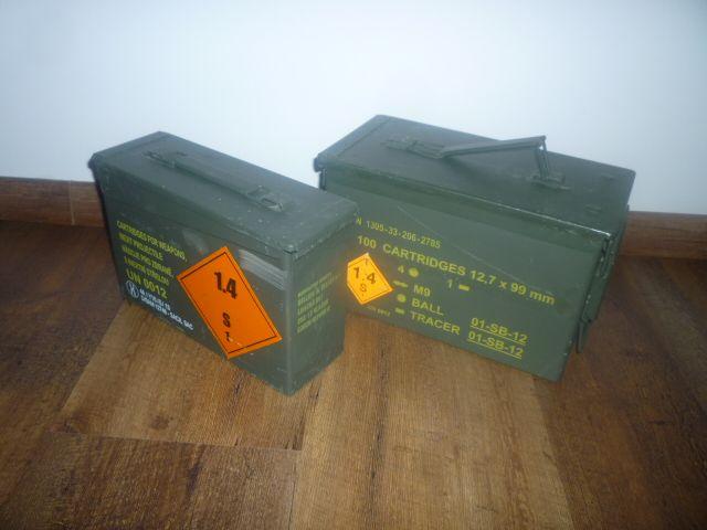 muniční bedny - Prodám dvě kovové použité, ale plně funkční muniční bedny viz foto.https://s3.eu-central-1.amazonaws.com/data.huntingbazar.com/9826-municni-bedny-prislusenstvi.jpg