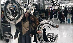 Οι αδερφές Φαρμάκη συναντήθηκαν ξανά στην Νέα Υόρκη   Μαύρα μάτια έκανε η Γωγώ Φαρμάκη να δει την αδελφή της Όλγα Φαρμάκη που της είχε λείψει πολύ. Έφτασε όμως η στιγμή που εκείνη  from Ροή http://ift.tt/2k84hnV Ροή