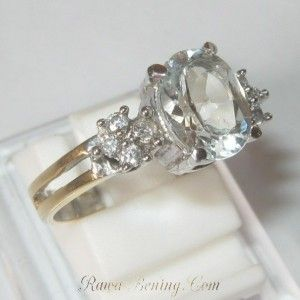Cincin White Topaz Silver Ring 8US untuk nikah dan tunangan, maaf gak jual untuk orang gila kawin cerai.