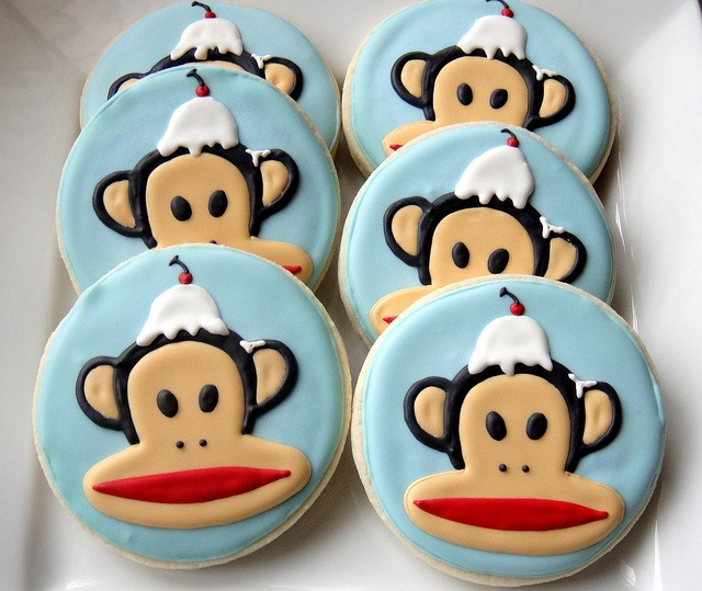 These Julius cookies are so cool! Made by Sugar Sanctuary in Arizona. My obsession w Paul Frank continues.