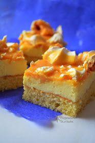 Dziś zapraszam Was na pyszne ciasto z masą budyniową, bezami i roztopionymi krówkami. Ta słodka wierzchnia warstwa, w połączeniu z biszkop...