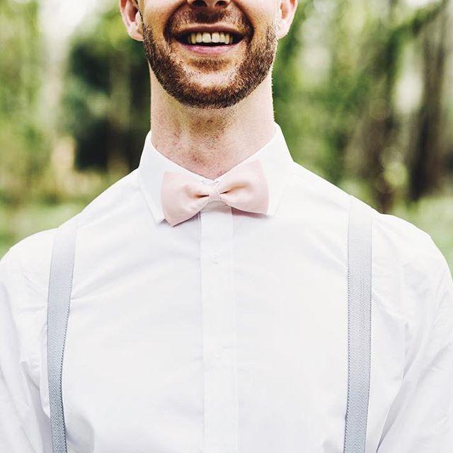 You can't go wrong in a peach pink bow tie  #krewandco #customkrew #bowtiesarecool