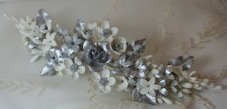Tocados de novia. Joyería Cerámica. Flores de porcelana original de Manises (cerámica de Valencia).