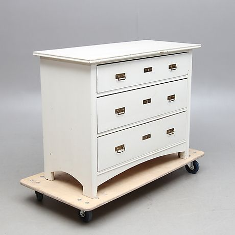 BYRÅ, jugend, omkring 1900. Furniture - Chests of drawers – Auctionet