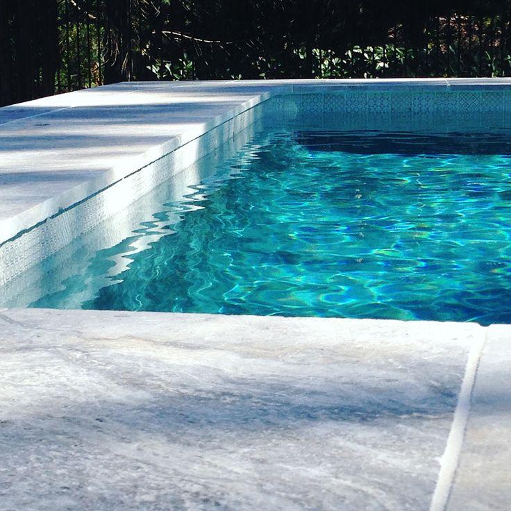 Amber Tiles Kellyville: pinned from (@ambertiles_monavale). Platinum Travertine & beautiful white waterline tile. #travertine #trav #platinumtravertine #naturalstone #poolinspiration  #poolsurround #poolmosaic #ambertiles #ambertileskellyville