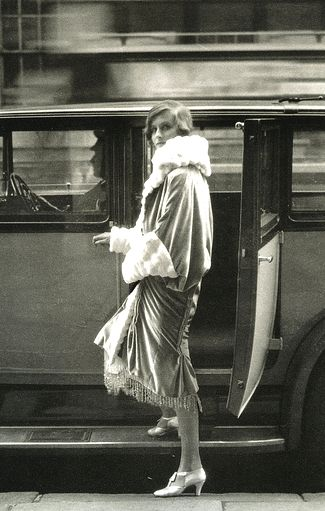 cecil beaton, 1927 #fashion #photography