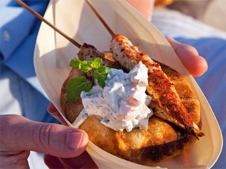 Kycklingspett med raita och naan – Allt om Mat