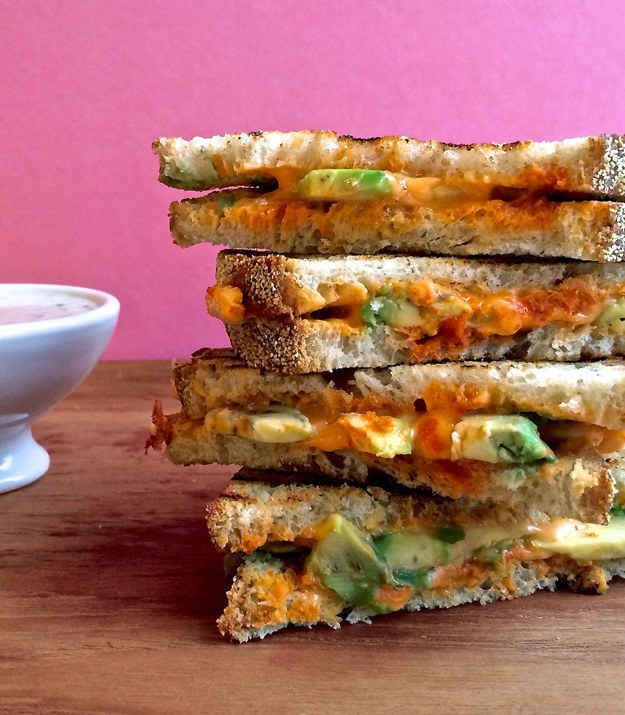Sriracha Grilled Cheese With Ranch Dipping Sauce