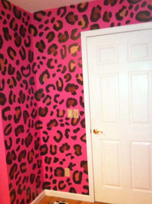 Leopard wall <3