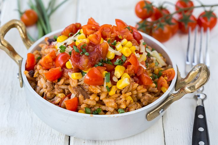 Skinny Ms. has whipped up a burrito bowl recipe that you can make at home!