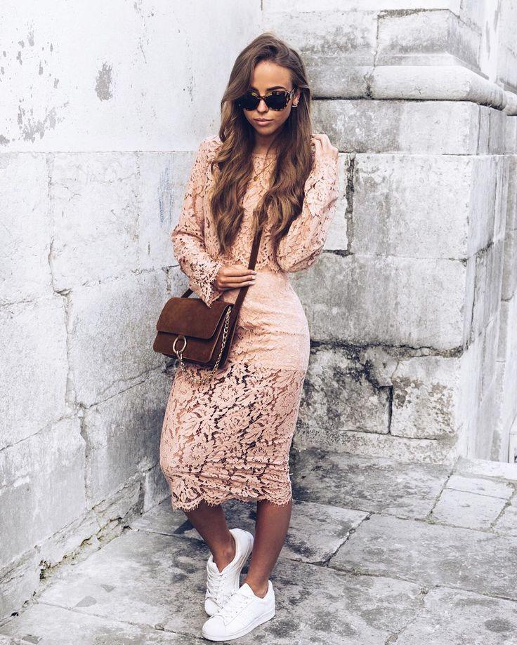 Årets coolaste event för oss som älskar mode måste ju vara MMiH  The Runway! Den 24 maj kommer sju modedesigners från Asien och Europa att visa upp sina kollektioner på en unik runway på Helsingfors flygplats!  Jag ska dit och nu kan du också vinna en plats för dig och en vän till eventet. Dela din bästa reseoutfit tagga @MatchMadeinHEL berätta varför du ska vinna och använd #matchmadeinHEL #ad