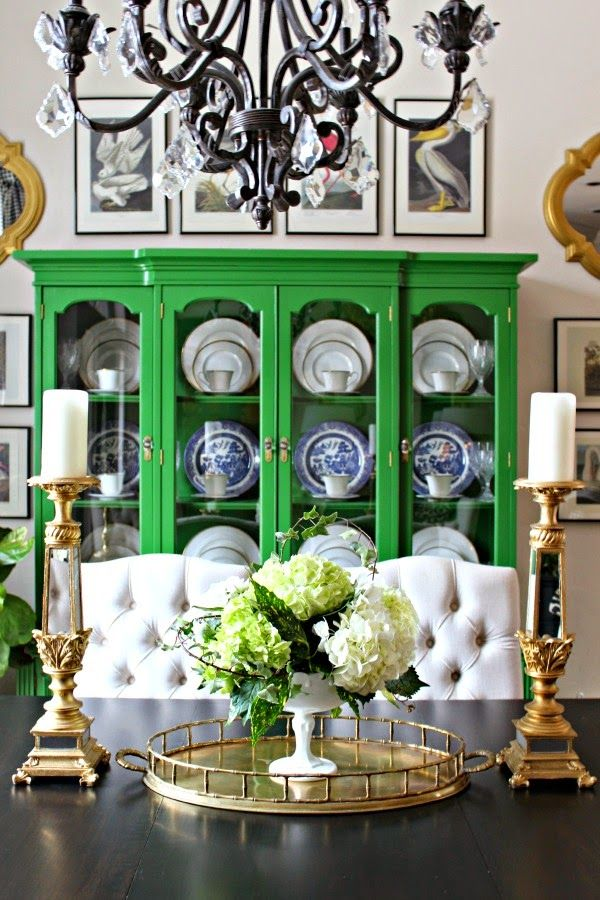 Dining Room table decor ideas | Repinned by Alvarado Paint & Hardware, www.alvaradopaint.com