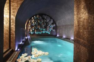 Modern meets classic in Hotel La Maison Favart, Paris