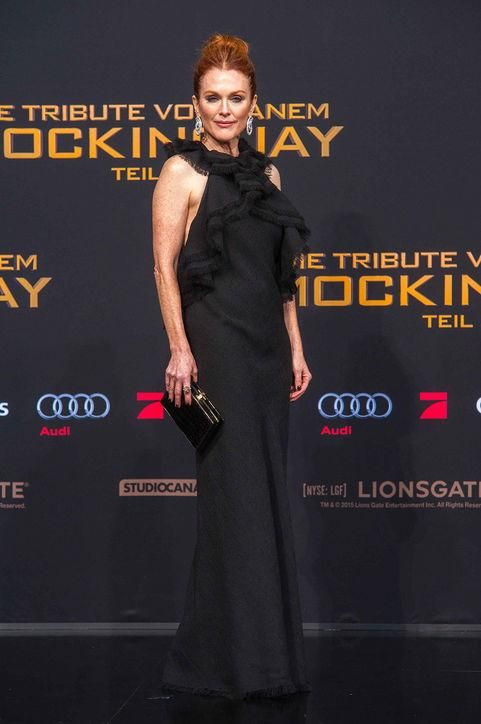 The Hunger Games: Mockingjay Part 2 premiered last night in Berlin and the red carpet was full of gorgeous dresses. Come see our favorites, including Julianne Moore in black Jason Wu