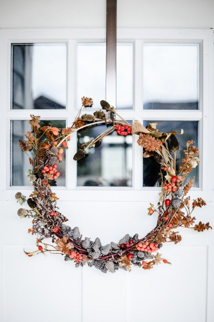 Diy Fall Wreath, Autumn Wreaths, Christmas Wreaths, Wreath Crafts, Christmas Trends, Christmas Inspiration, Christmas Time, Autumn Crafts, Nature Crafts