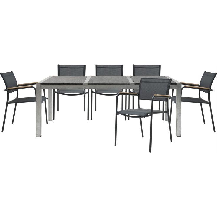 Roma havebord i galvaniseret stål med tre granitplader L200xH74,5xB90 cm. Valencia stabelbar havestol i sort textelin på sort aluminiumsstel med bambus armlæn. Sætpris bord og 6 stole.