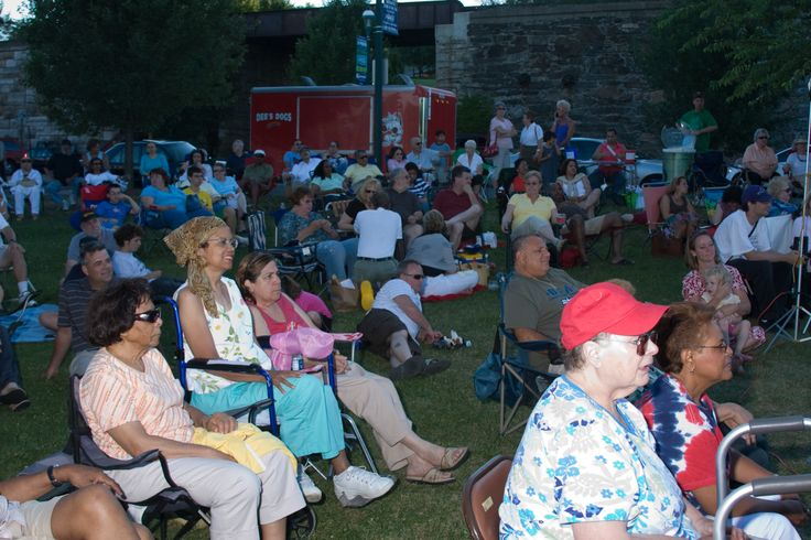 Newburgh Jazz Series 2007 audience for Richard Pryor Jr.