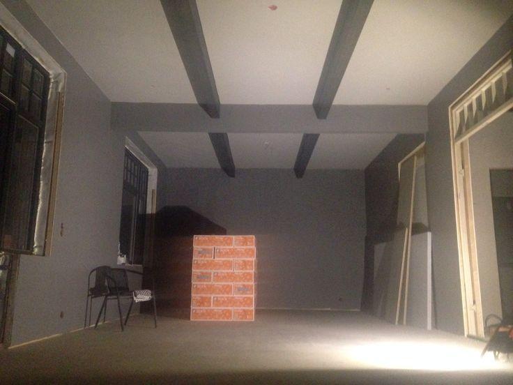 Livingroom - beams exposed