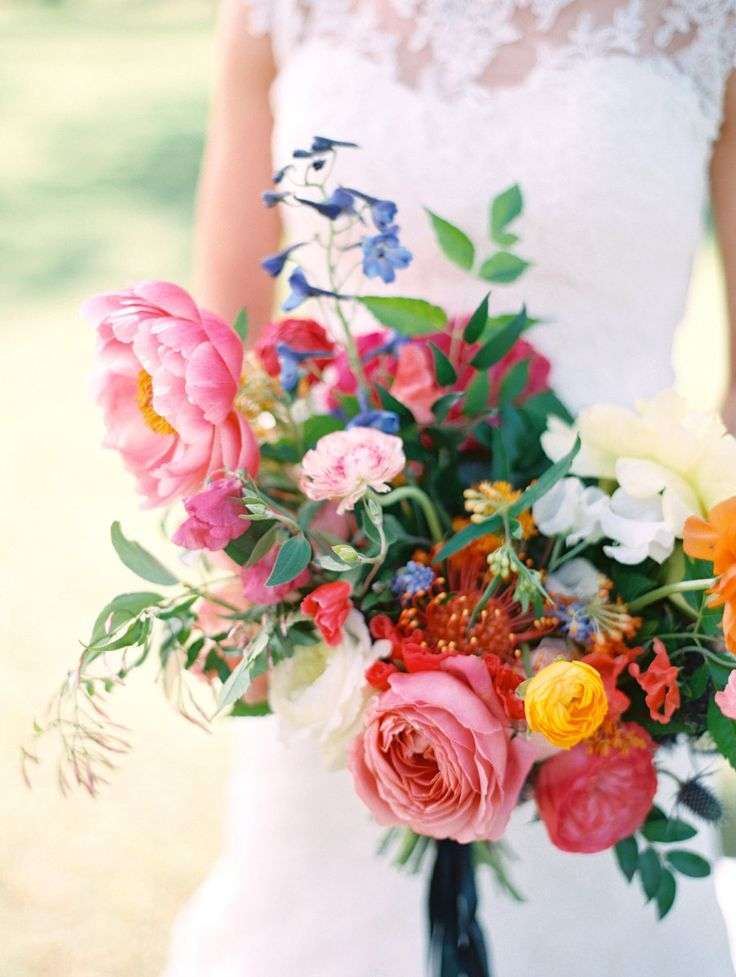 The very best in bouquets from 2015! Click through and find your favorite: http://www.stylemepretty.com/collection/3843/picture/3276840/