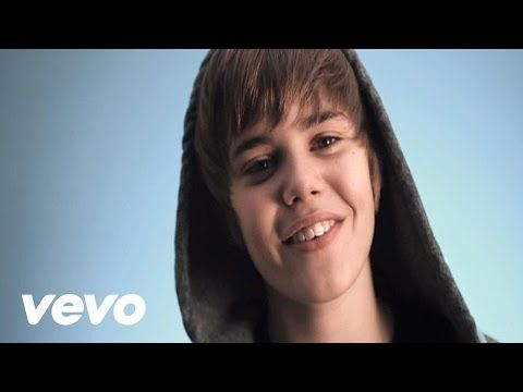 Justin Bieber (estaba tan chistoso♥) - One Time ( recuerdo que una chica del colegio de computación creía que Yo salí en el video hahahakajfgfhahahs)