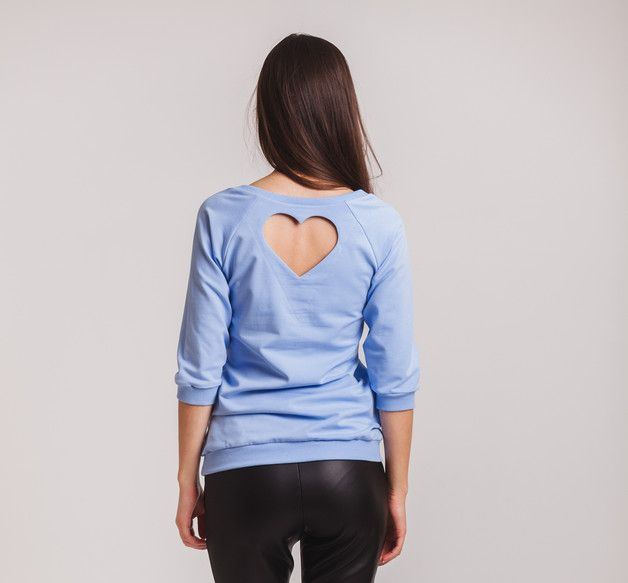 Bluza dresowa serce-szpic błękitna - Ynlow-Designed - Bluzki z długim rękawem