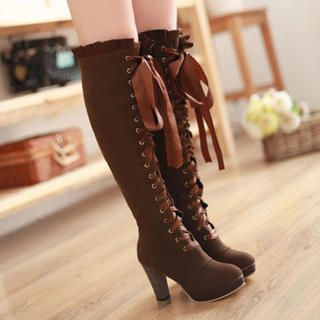 Do these remind anyone else of Alois Trancy - minus the heel? I want them so much, but they're so expensive! Smoothie: lace-up over-the-knee boots.