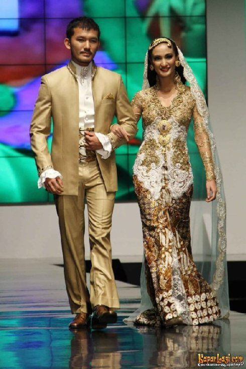 Anne Avantie Lace Kebaya for wedding ceremony Rio Dewanto & Atiqah Hasiholan