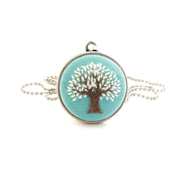 Ağaçlı Mavi Kolye Zet.com'da 25 TL
