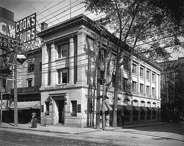 Royal Bank Branch, St. Catherine Street, Montreal, QC, 1911. #vintage #Canada #Edwardian #streets