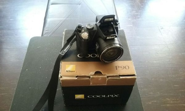 Nikon coolpix Camera P90 in Chicago, IL (sells for $300)