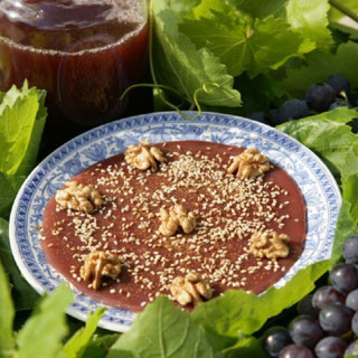 Μουσταλευριά - Συνταγή από την Τήνο - gourmed.gr